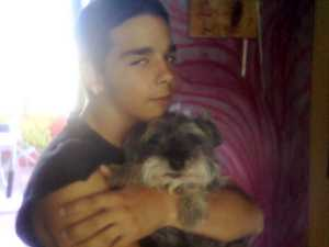 Nicolás, mi hijo, con el perrito