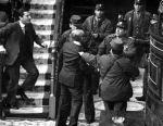 Adolfo Suárez, enfrentándose a los ocupantes