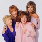 Con Debbie Reynolds, Shirley MacLaine y Joan Collins