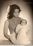 Al mes del nacimiento de Jaime Mª, con su traje de Bautizo