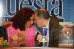 Aída Trujillo con Guillermo Cote, de Ediciones Unidas del Caribe