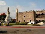 El Palacio de Cortés, se terminó de construir en 1535 y fue uno de los lugares en donde vivió el conquistador español durante la Conquista.