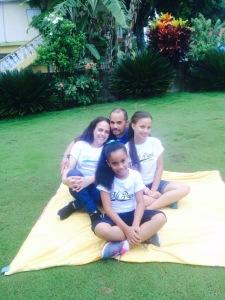 Melanie con su familia